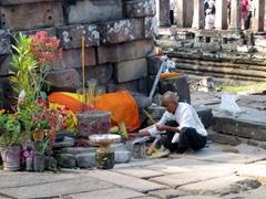 Nun making an offering, Banyon