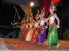 Traditional Khmer apsara dancers