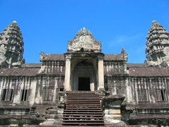 The final stairs leading into Angkor Wat, the largest Khmer temple in the world