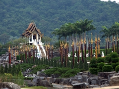 Decorative landscaping at Nong Nooch Garden