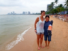 Becky and Ji Sung on Pattaya's tiny strip of beach
