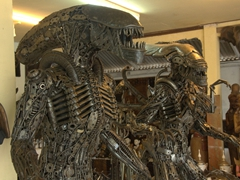 Detail on the Alien statues for sale (really amazing craftsmanship). The owner can ship anywhere worldwide; Ko Samui