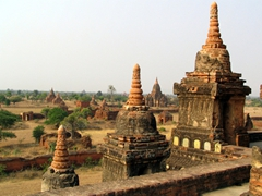 Bagan has thousands of ancient stupas, as far as the eye can see!