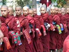 There were hundred of monks lined up; patiently waiting for their meal at the Maha Ganayon Kyaung monastery