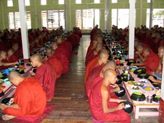 We felt honored to be able to witness the entire midday meal process at the Maha Ganayon Kyaung monastery