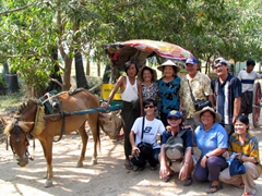What a great way to explore Inwa! Everyone loved their horse carriage ride