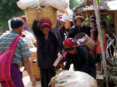 Pa-O ladies lugging their goods from the market; Indein village