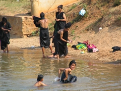 Pa-O ladies bathing in the river; Indein village