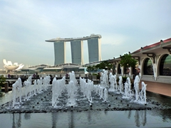 Fountain view of Marina Bay Sands resort