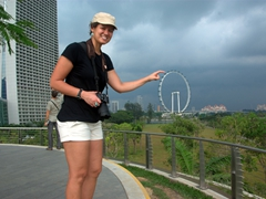"Becky ""spins"" the Singapore Flyer, the world's biggest observation wheel"