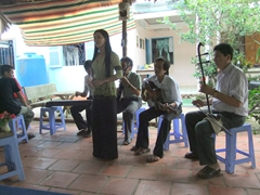 Traditional Vietnamese music makes for an entertaining diversion during our lunch stop