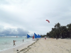 Luke and Robby take kite boarding lessons; White Beach