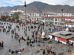 Standing on the Jokhang Temple gave us a fantastic bird's eye view of the entire area