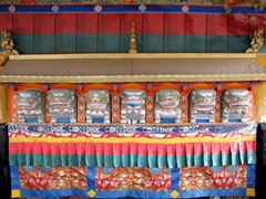 A row of lion deities line this doorway at the Jokhang Temple