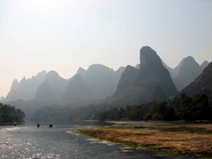 Amazing vistas on both sides of the river bank; Li River