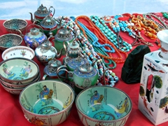 Souvenirs for sale on our Shennong stream ferryboat