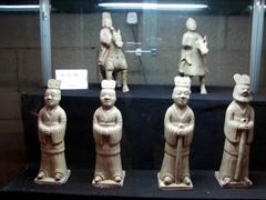 Clay figurines; Wanxian Museum