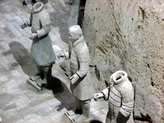 Pit 3 served as the command post for the Terracotta Warrior Army Headquarters, housing 68 warriors and a war chariot