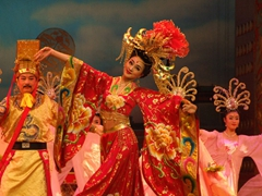 The entire show lasted about 90 minutes; two thumbs up for the Tang Dynasty Show!