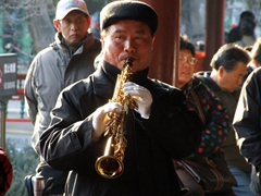 Musicians happily ply their trade; Temple of Heaven Park