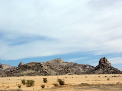 The closer we drove the Tamanrasset, the more the scenery around us resembled this