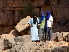AbdSahlem, Robby & Salim proudly sporting their taguelmousts (tuareg turbans)