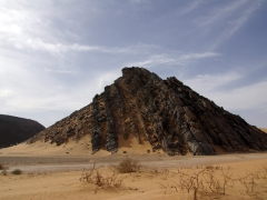 Unusual rock formation; Tiguelguemine