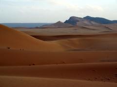 Sand dunes as far as the eye can see; Mhajeba