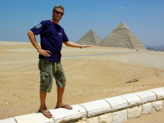 "Robby ""balances"" the Great Pyramid of Khufu (Cheops); lookout panorama point of Giza"