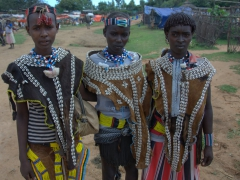 The Banna tribe consists of 27,000 members. They are commonly mistaken as Hamer since both tribes dress in similar outfits. However, the Banna are famous for wearing lots of beads and colors of blue and white. The Hamer don't wear beads