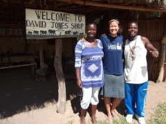 Becky poses with Irene and Nelson at the Kande Beach crafts market