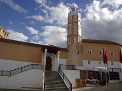 The Grande Mosquee (with its unusual octogonal tower) at the Plaza Uta el-Hammam; Chefchaouen