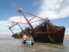 Goodie, Becky, Katherine and Ruth; shipwreck at western Sahara