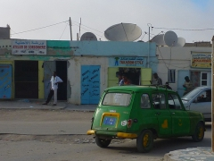 A unique car painted in the colors of the Mauritanian Flag
