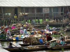 Floating market vendors; Ganvie Lake Village