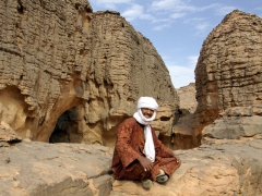 Achmed is the perfect Jabbaren guide and took us to the best cave paintings straight away
