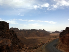 A road with a million dollar view (enroute from Djanet to Ihrir)