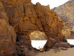 Natural arch; Emouroden