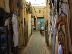 Dead end in the labyrinth of El Oued's covered market place