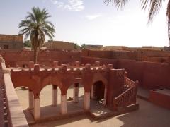 Courtyard of Hotel de l'Oasis Rouge