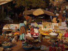 Market scene in Banfora