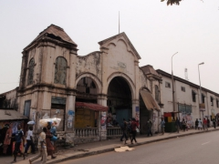 Colonial architecture on the streets of Accra