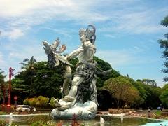 Roundabout statue; Nusa Dua