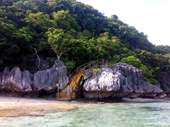 Success as we are the first boat to arrive to Sawa-i-Lau Cave!