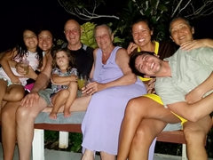 Family photo in Taveuni (Gracie, Fran, Emma, Bob, Nancy, Becky, Ann, Luke)