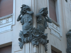 Statues complaining of the loud noise; Marmontova Ulica