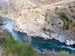 Kawarau Gorge - a spectacular gorge road links Cromwell to Queenstown