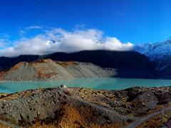 Stunning alpine scenery; Hooker Valley track