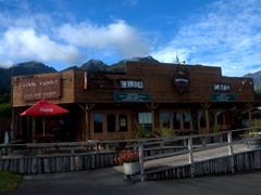 Cook Saddle Cafe & Saloon; Fox Glacier