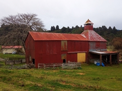Red barn near Marble Hills Resort campsite; Marahau